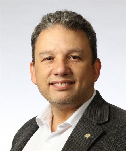 Roberto A. Robles