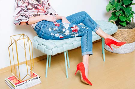 Fresh Ways to Wear Jeans por Pam Barja