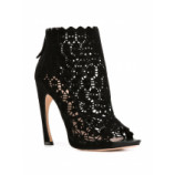 Ankle boot com recortes a laser