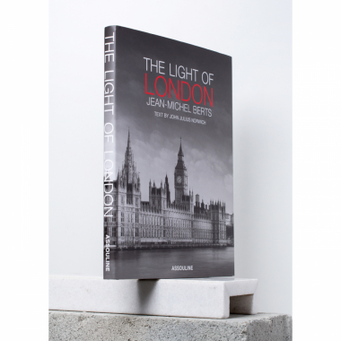 Livro - The Light Of London  U