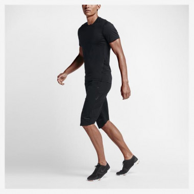 Shorts Nikelab Essentials Over The Knee Masculino
