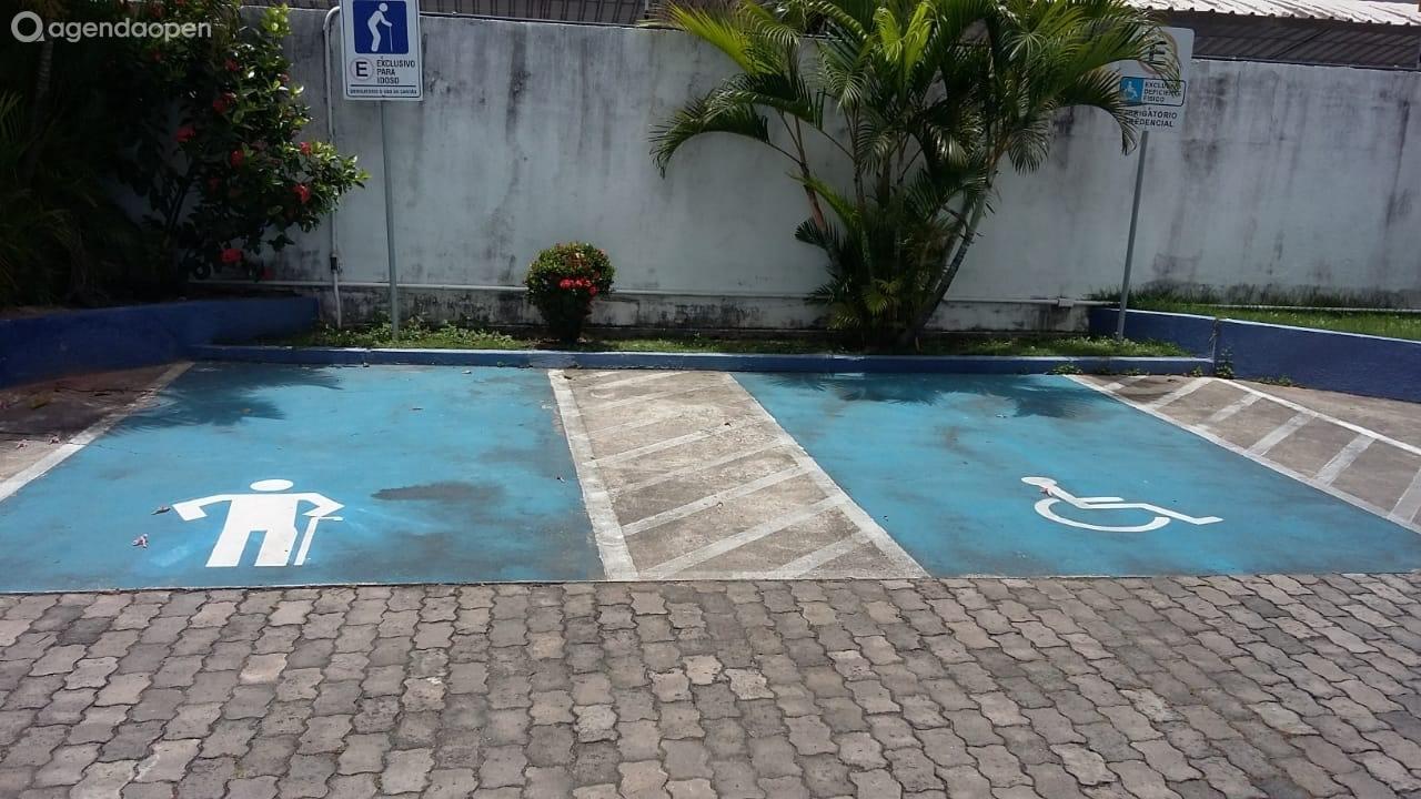 UNOPAR SALVADOR IGUATEMI localizado em Parque Bela Vista, Salvador tem 7 salas e espaços para Reunião e Evento. Alugue sala para reunião, palestra, workshop, apresentação, e muito mais!