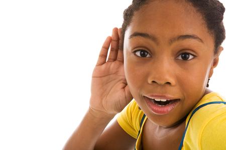 adaptacao-crianca-usuaria-aparelho-auditivo