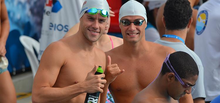 Nadadores brasileiros treinam para o Pan-Pacífico