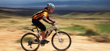 Além da Serra da Moeda, que possui a trilha Topo do Mundo, eleita em 2006 uma das 5 mais bonitas do Brasil, outro atrativo da região aos praticantes de corrida