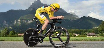 O camisa amarela completou o percurso em 30min43, superando em 21seg o holandês Tom Dumoulin, segundo colocado - Foto: ASO