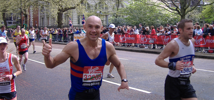 Britânico fez 700 maratonas sub-3h30