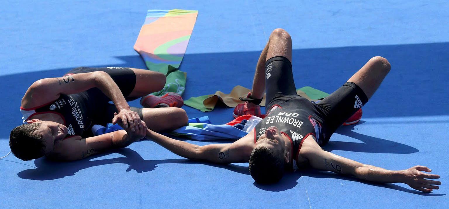 Britânicos dominam triathlon do Rio 2016
