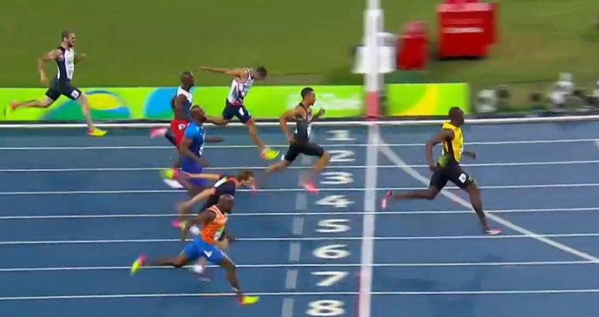 Bolt conquista o tri nos 200m