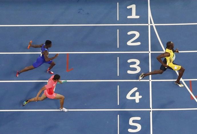 Bolt: tri olímpico pela terceira vez