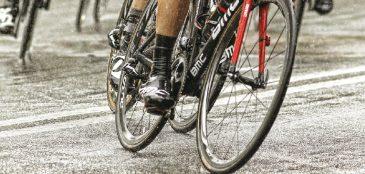 O ciclista Luiz Felipe Fialho, campeão da Vo2 Bike, dá algumas dicas para aqueles que, assim como ele, não dispensa treinar na chuva
