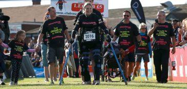 Após 5 dias, paraplégica completa meia maratona
