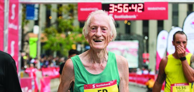Aos 85, Ed Whitlock faz maratona sub-4h