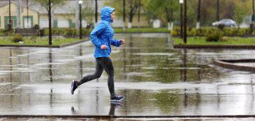Separamos algumas dicas de cuidados que você deve ter ao correr na chuva. O treino pode ser muito mais prazeroso, porém é importante ter atenção