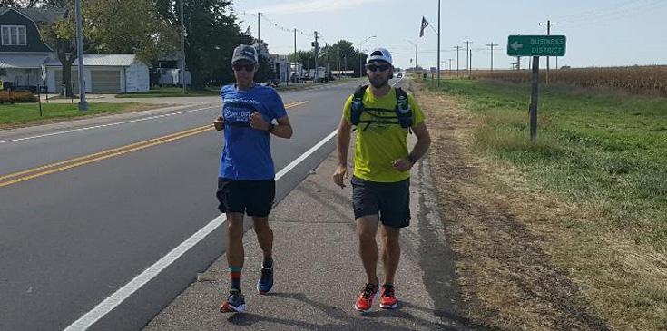 Recorde: corredor cruza EUA em 42 dias