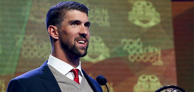 Phelps leva 4 prêmios em uma noite