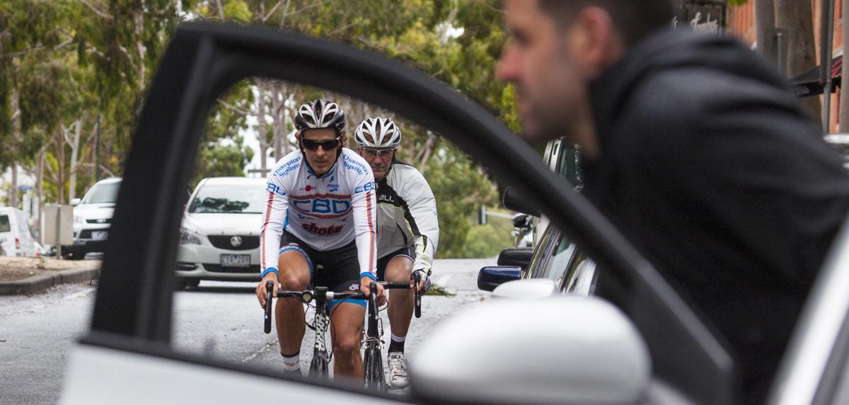 Dutch reach: não bata em ciclistas com a porta do carro