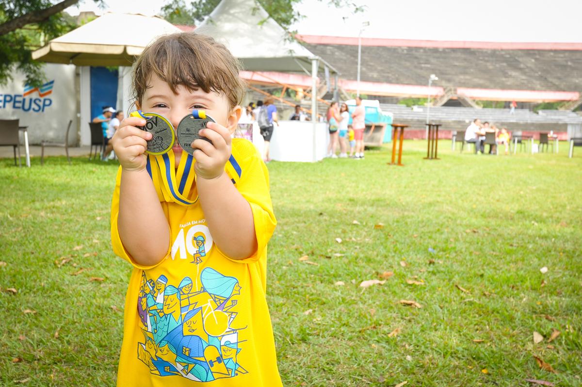 MOV: 3 mil crianças brincando em SP
