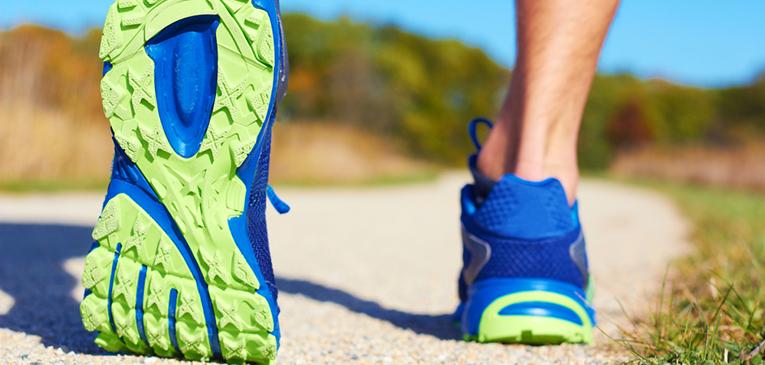 Praticar caminhada melhora a técnica de corrida