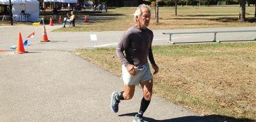 Ultramaratonista de 77 anos faz 240 km em 48 horas