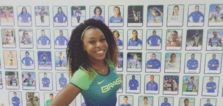 Brasileira corre a 32 km/h na esteira