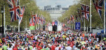 Embaixadinhas, porre histórico e ideia de bar: curiosidades sobre a Maratona de Londres