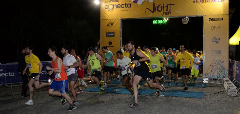 Night Run Yellow agita Porto Alegre