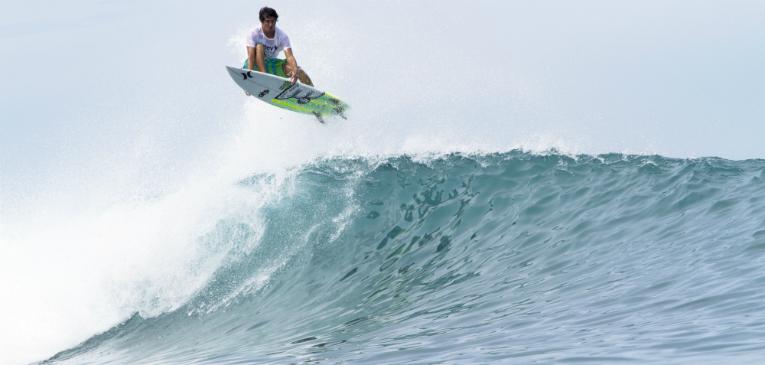 A preparação de um surfista profissional