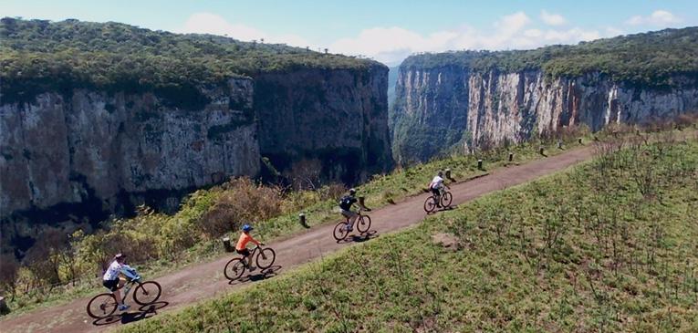De bike pelo cânion do Itaimbezinho