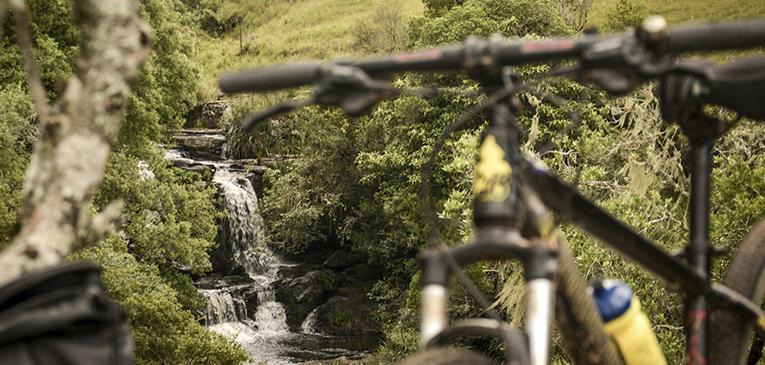 Dia de pedal leve até a cachoeira do Tio França