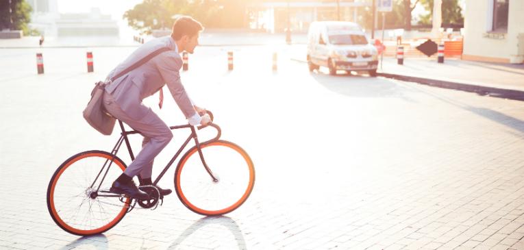 Acessórios para pedalar de casa para o trabalho