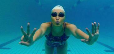 nadar em águas frias