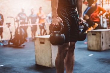 Grip: cinco exercícios para você fortalecer a pegada na barra