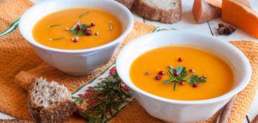 Receita de sopa cremosa de abóbora para o pós-treino