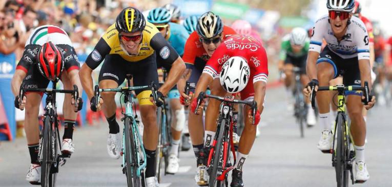 Francês vence etapa da Vuelta marcada por acidentes