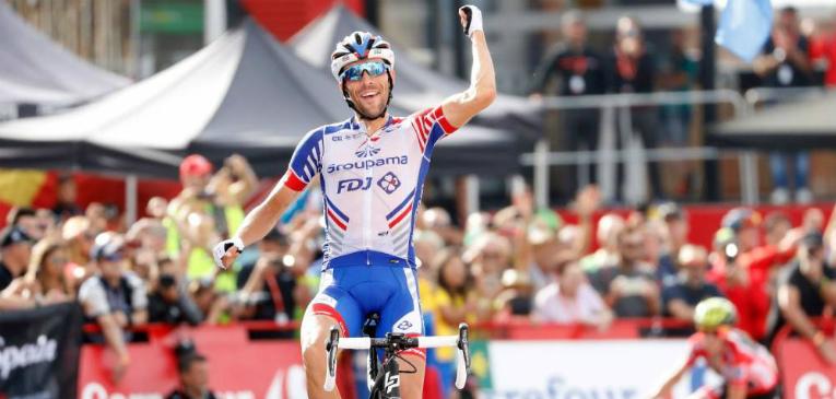 Francês vence etapa e Yates fica perto do título