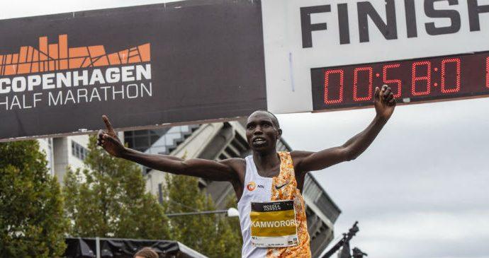 Geoffrey Kamwor, recorde mundial nos 21K