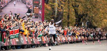 eliud kipchoge tornou-se a primeira pessoa a correr a distância da maratona abaixo das 2h