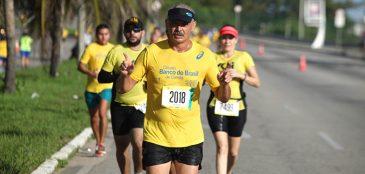 Atleta corre na etapa de Fortaleza do Circuito Banco do Brasil