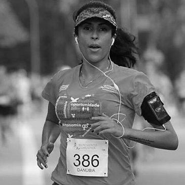Danúbia Paraizo mantém o perfil @benditacorrida, é jornalista, corredora e velha dos gatos. Não necessariamente nesta ordem.