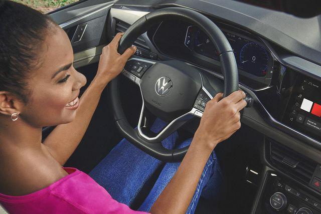 4 dicas para não prejudicar a postura na hora de dirigir