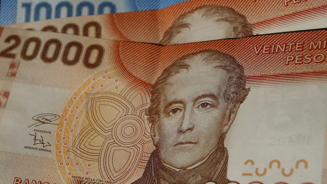 El gobierno espera comenzar a pagar el bono de clase media en abril, incluida la anualidad a los jubilados./Titulares de Noticias de Chile