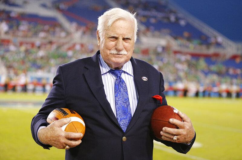 Howard Schnellenberger, 87, entrenador de Miami, Louisville, muere / Titulares de Noticias de China