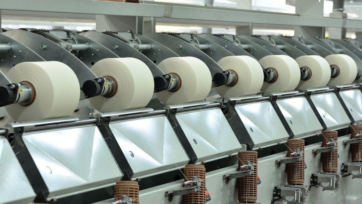 Textil inaugura fábrica que incrementará las exportaciones a toda la región/Titulares de Economía