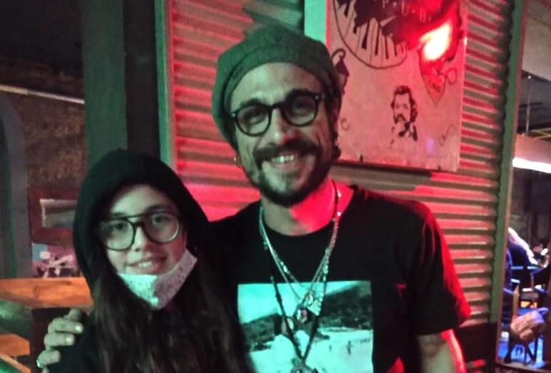 Gianinna Maradona y Daniel Osvaldo paran en un bar de Bolívar/ Titulares de Bolivar