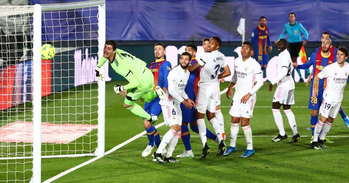 Messi, casi gol olímpico y bronca con el referí /Titulares de Deportes