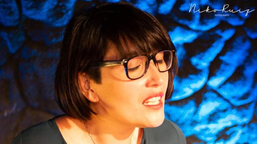 Lorena canta el tango con voz de reencuentro/ Titulares de Bolivar