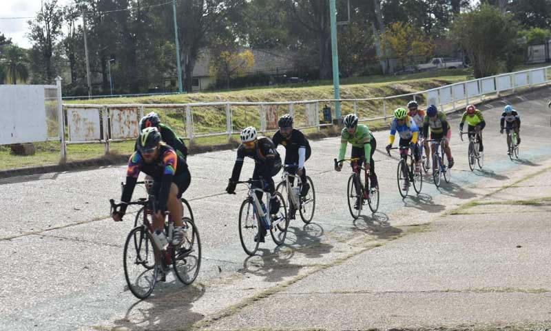 Periódico El Sol |  Regreso en bicicleta al Velódromo Municipal/ Titulares de Concordia
