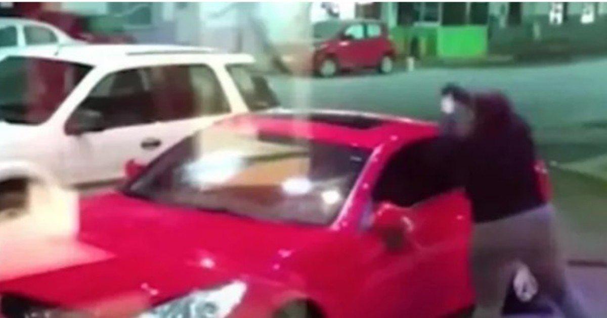 Encontró a su esposa con otro hombre en un auto y lo baleó: está grave /Titulares de Policiales