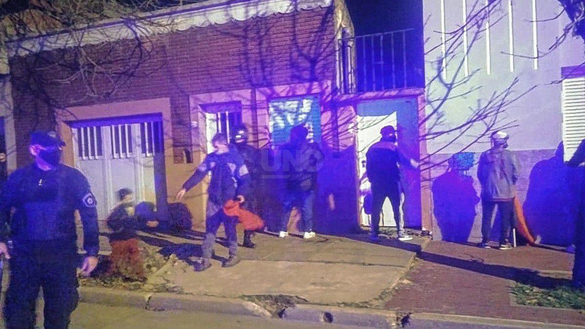 En camioneta Sabalero detuvieron a 35 hinchas de Colón/Titulares de Policiales en Santa Fe
